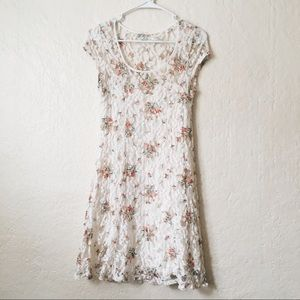 Dresses & Skirts - White Lace Floral Dress